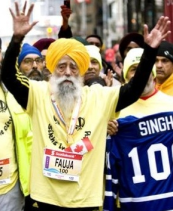 Faukja Singh, 101, the oldest person to complete a marathon!