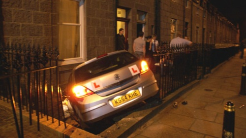 77582-learner-driver-smashes-into-side-of-aberdeen-flat