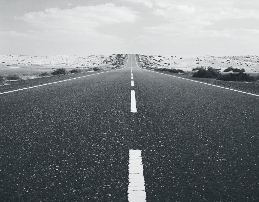 useless road user - HD1024×800