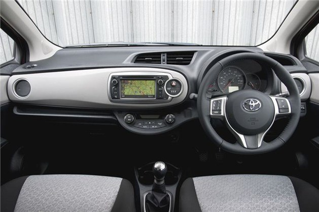 Toyota_yaris_2011__3__629x419